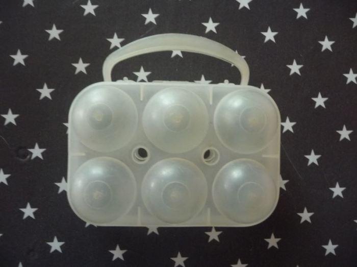 boite à œufs vintage transparente