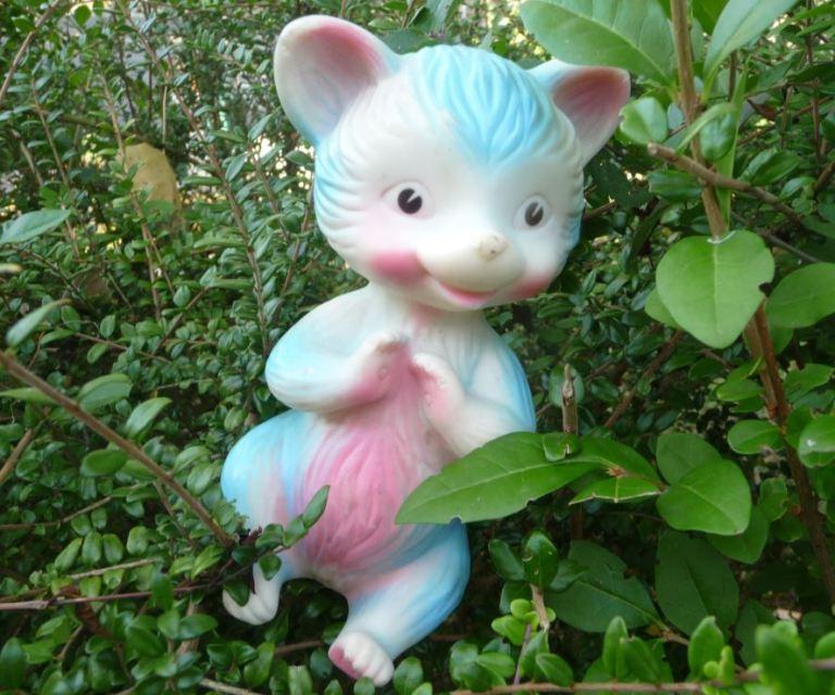 Pouet pouet Delacoste raton laveur rose et bleu