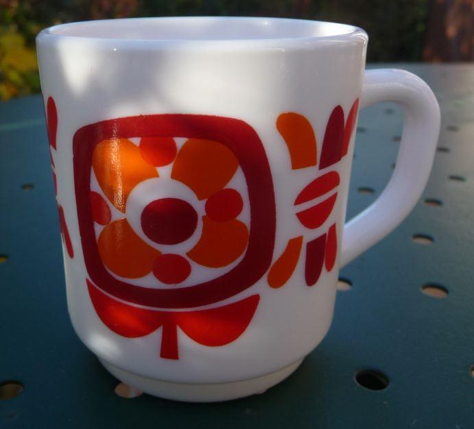 Petite tasse à expression mobil arcopal rouge