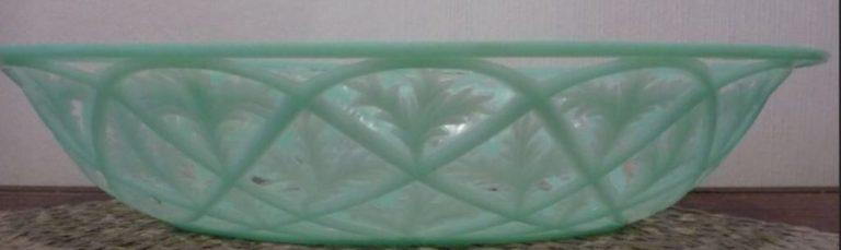 Corbeille en plastique mint vue de profil