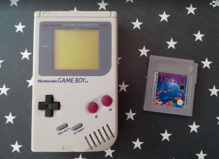 Nintendo Game boy avec la cartouche Tetris
