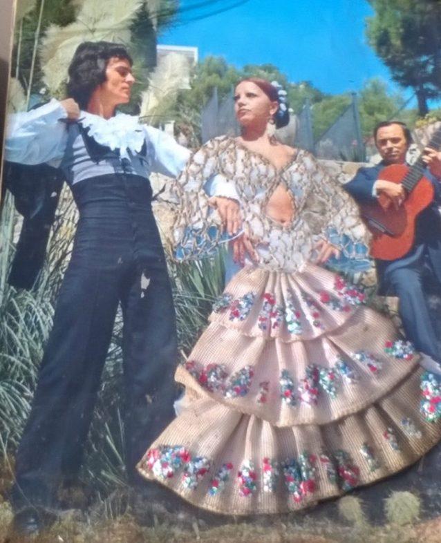 Carte postale brodée danseurs