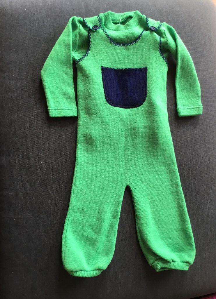 Ensemble seventies pour enfant salopette verte et sous pull vert