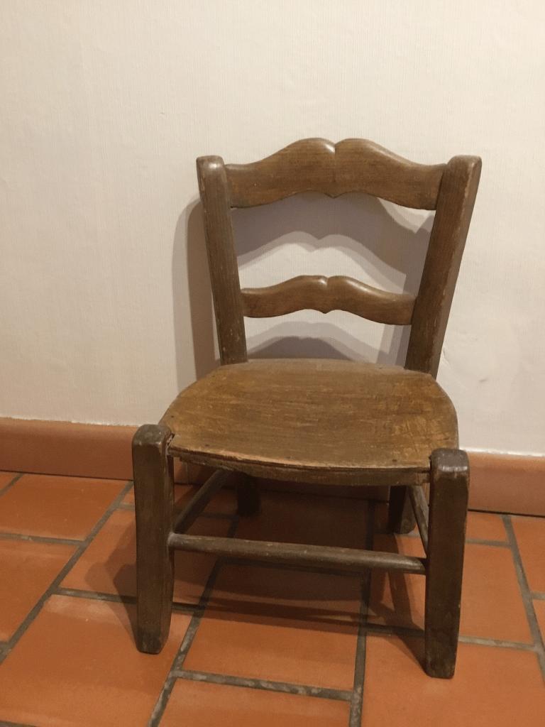 Petite chaise d'école en bois années 60