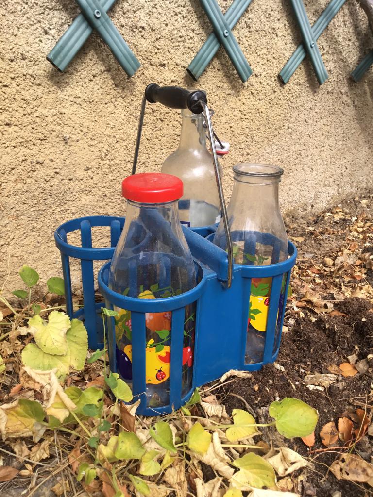 Porte bouteille bleu vintage plastique et métal