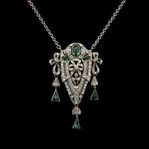 31881 - Edwardian Sterling, Clear & Emerald Paste Bow Motif Shield Pendant Necklace, 1915