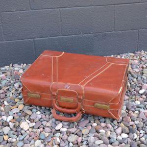towne suitcase