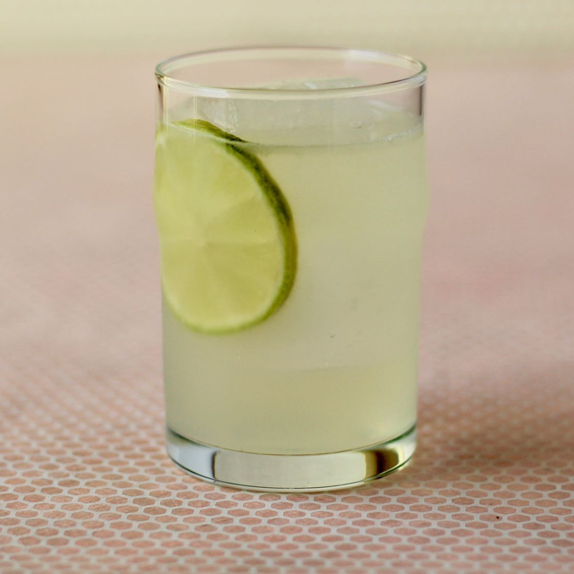 Gimlet Cocktail - Classic Fancy Gin Sour Recipe
