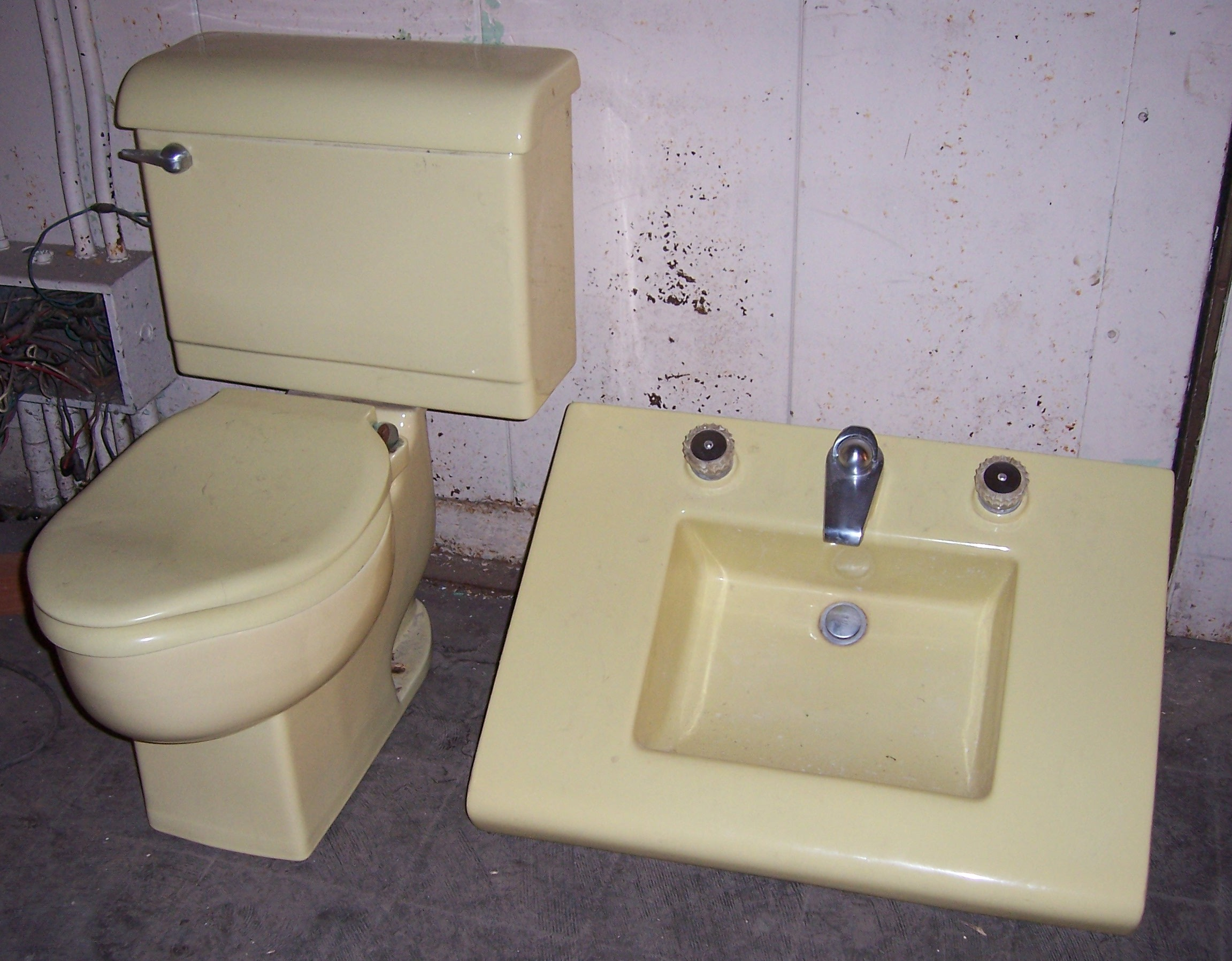 antique kitchen sinks benches with storage colored suites | vintagebathroom