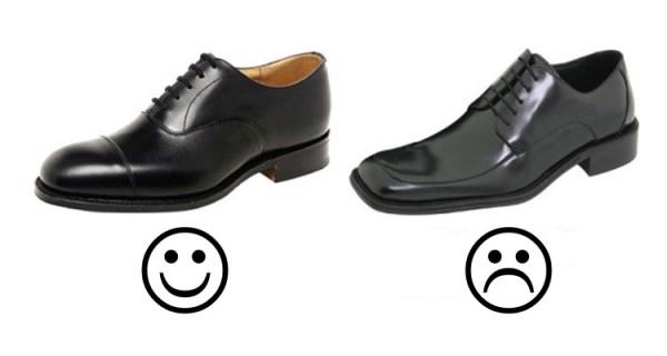 Links: Schwarzer Captoe-Oxford Rechts: Schwarze Stillosigkeit