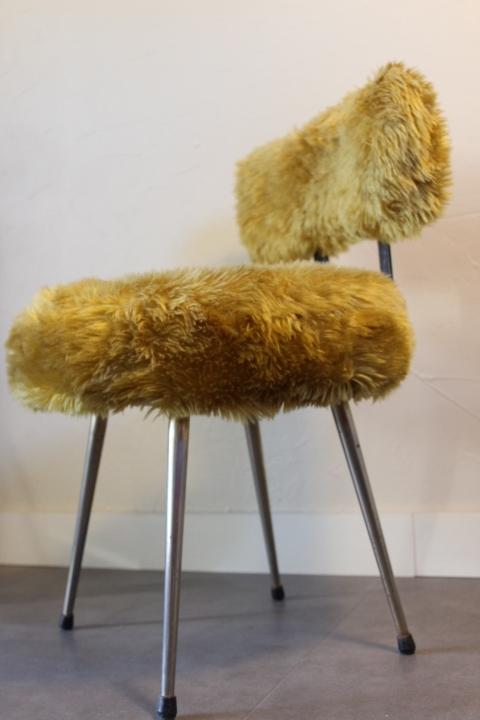 chaise moumoute by Pelfran