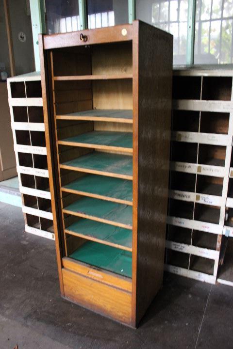 Ancien Meuble Classeur Rideau Roulant Compos De 8 Tablettes