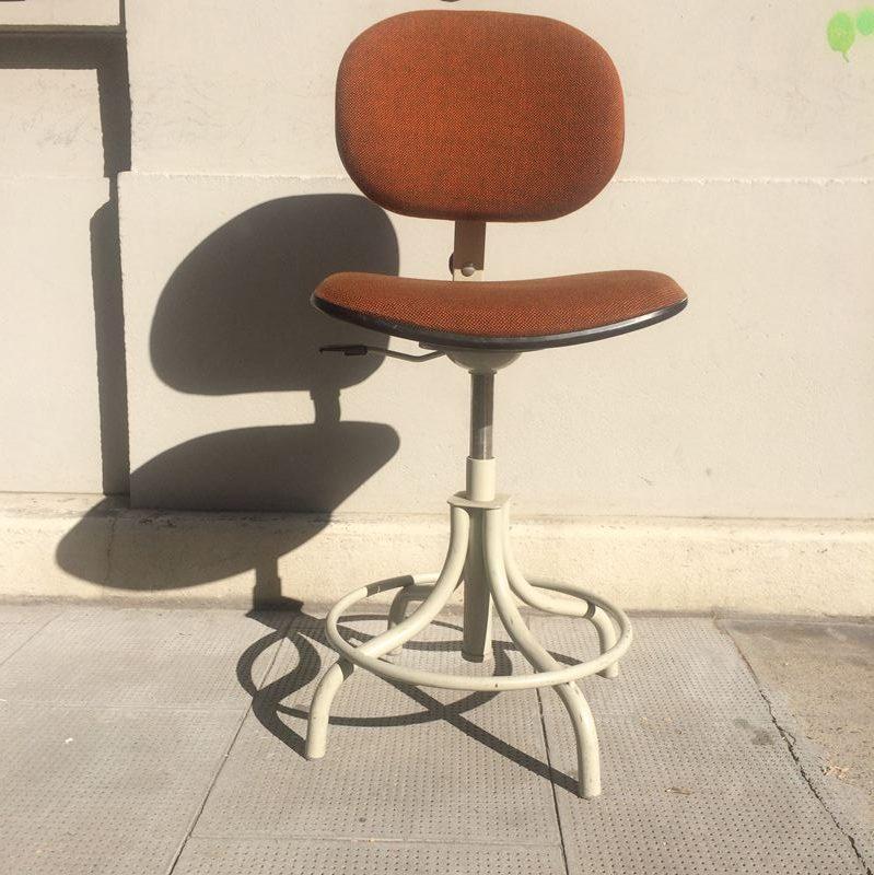 Chaise Atelier Pivotante Bao Datant Des Années 60