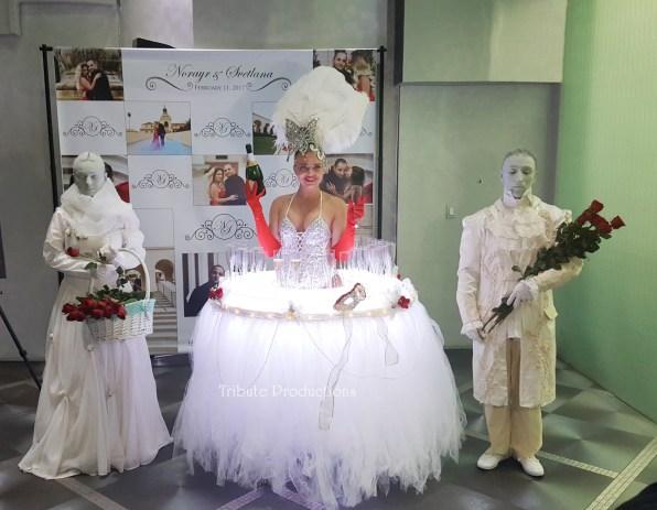 1rosetablelady-statues2