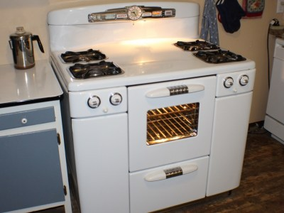 the vintage farm wife, tappan deluxe stove