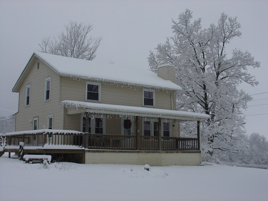 farm house in winter
