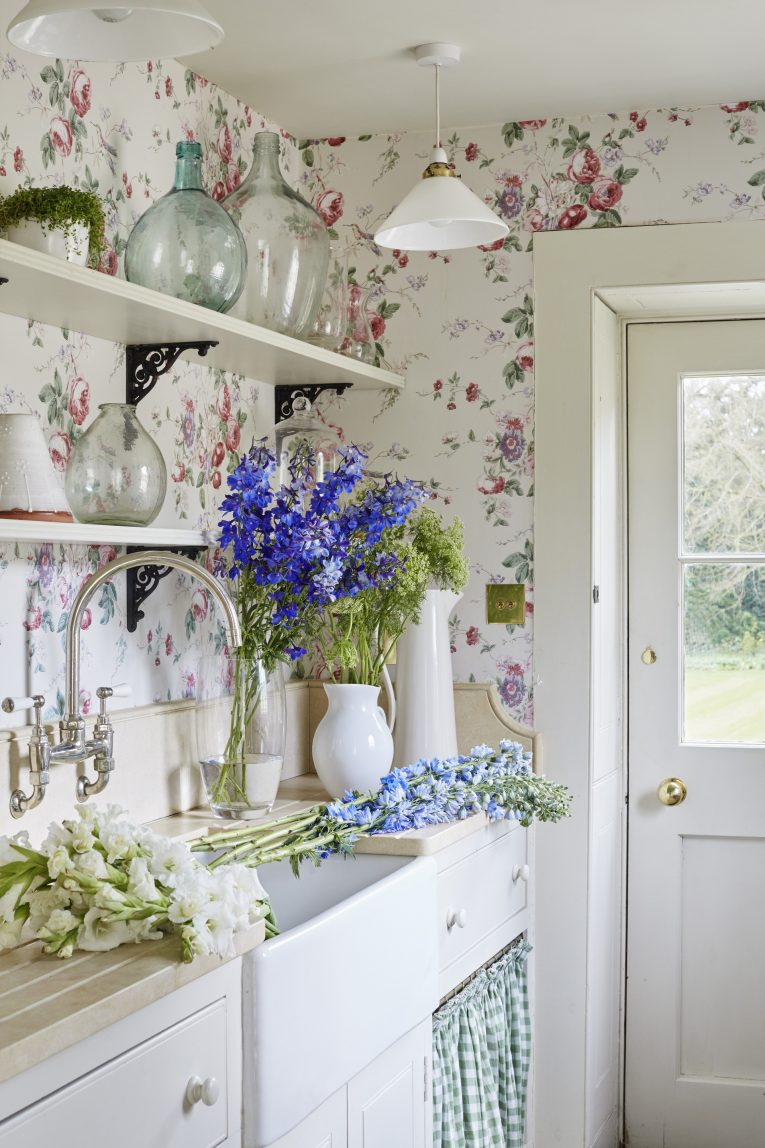 Vintage Home Decor Ideas to Steal From Grandmas House