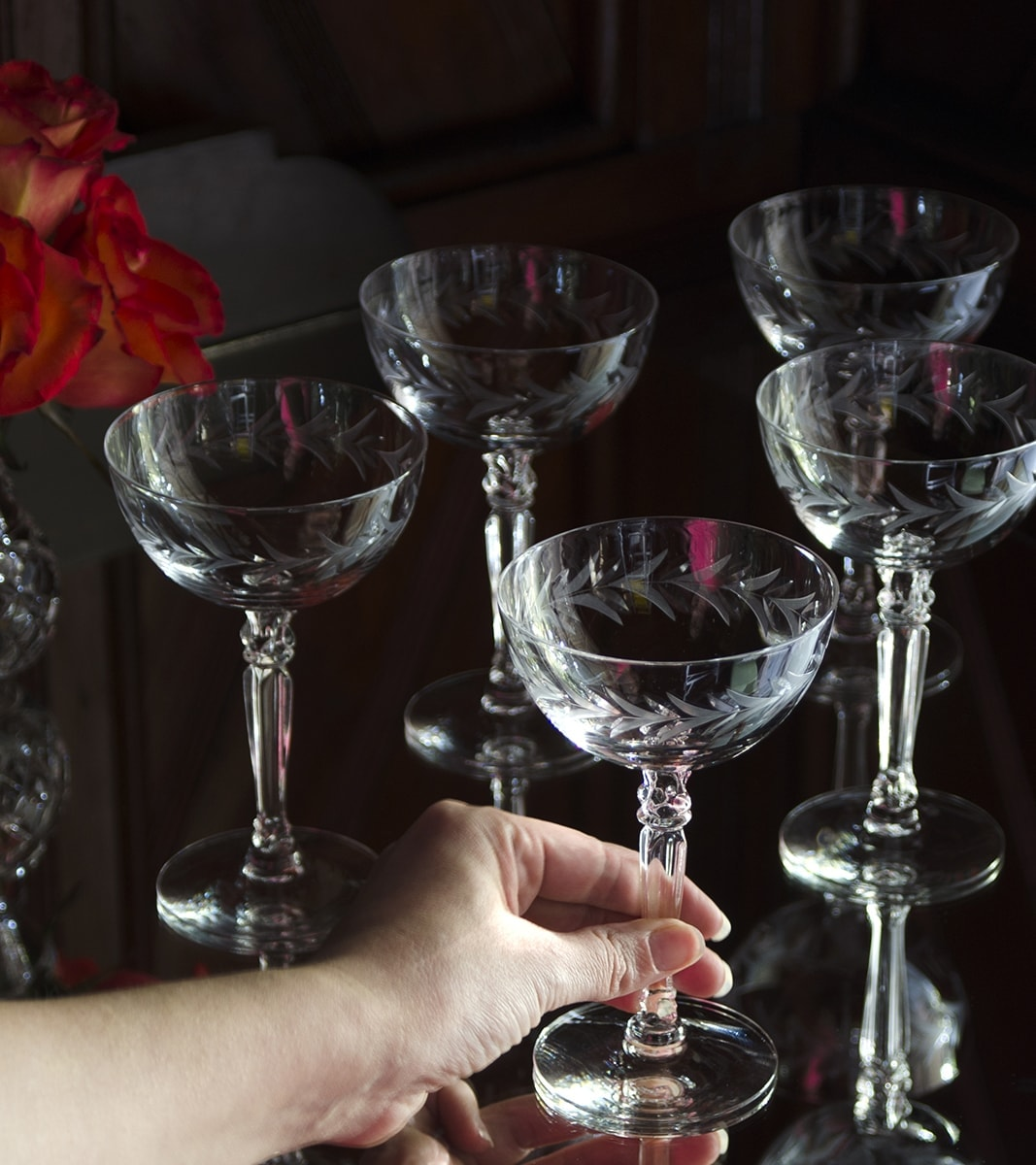 How pretty are these Fostoria champagne glasses? Being a savvy shopper can pay off when you find treasures like this in a thrift store. | vintagekitty.com