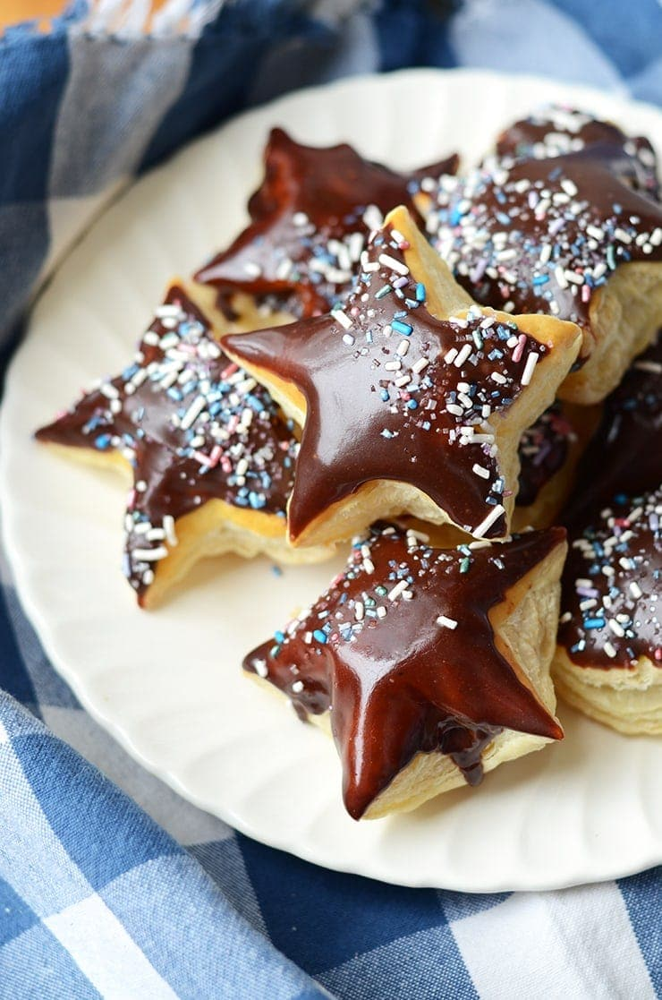 These galaxy-inspired puff pastry