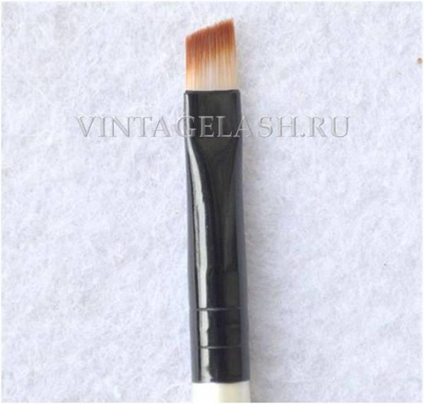 Кисть для окрашивания бровей и ресниц с косым срезом 2