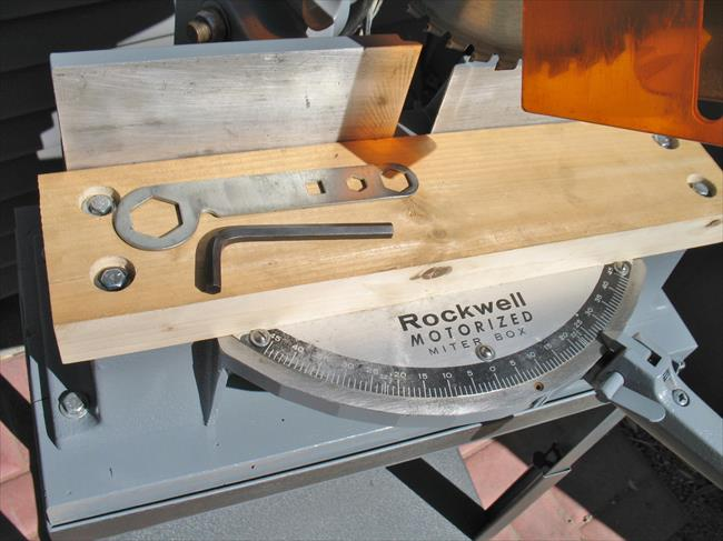 Rockwell Miter Saw 34 010