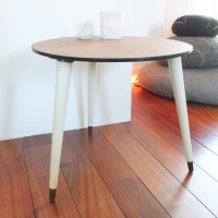 Table basse tripode midcentury.
