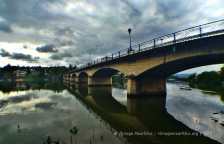 Cavendish Bridge viewed from large