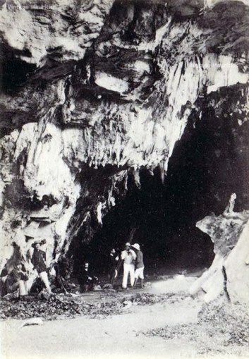 Vintage Image of the Caves dating back to 1930s