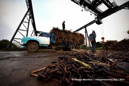 Old Bedford J6 Truck Unloading Chains Mon Desert Alma Mauritius