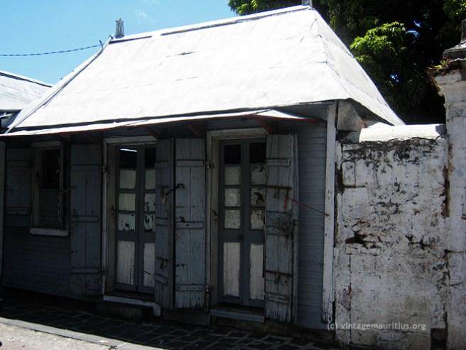 Old Port Louis - Creole House - Moka & Royal Street