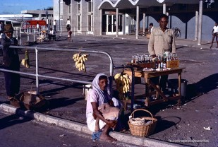 Plaisance Airport - Hawkers of the Days - Plaine Magnien - 1971 (Courtesy: Sophie Cayeux)