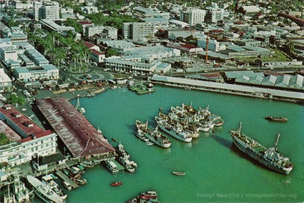 Port Louis Harbour - Rogers Construction - 1980 - Caudan Waterfront