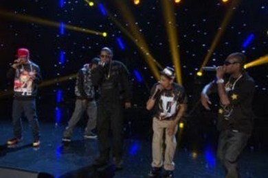 "Bone Thugs-N-Harmony Perform ""Crossroads"" On ""Arsenio"""
