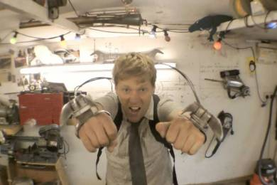 Guy Makes Real Life Working Wolverine Claws