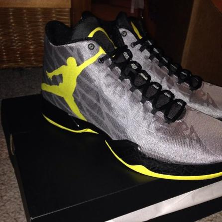 air-jordan-xx9-oregon-ducks-pe-02