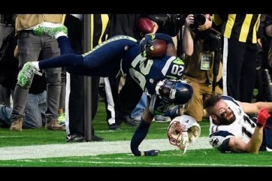Jeremy Lane Suffers Hideous Broken Arm In Superbowl 2015