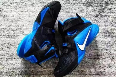 nike-lebron-soldier-9-black-blue-01