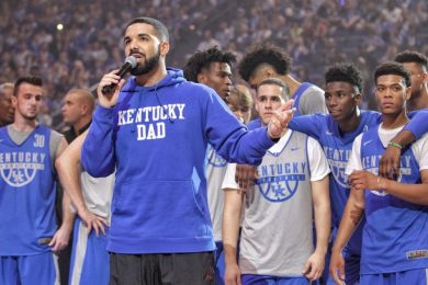 http-hypebeast.comimage201710drake-kentucky-wildcats-big-blue-madness-0