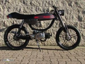 Sunday Morning Motors | Beautiful Vintage European Pedal Mopeds