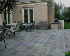 Reformas de exteriores con pavimento de piedra