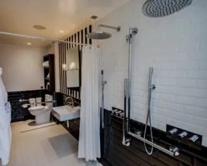 Reformas de cuartos de baño movilidad reducida inodoro