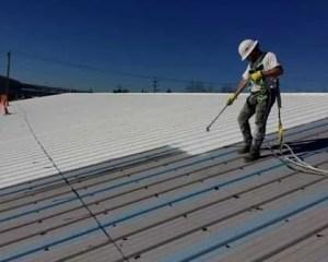 Soluciones líquidas para filtraciones en tejados