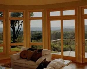 Puerta y ventanas en carpintería
