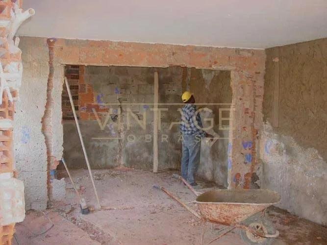 Remodelação de apartamento: Execução de rebocos