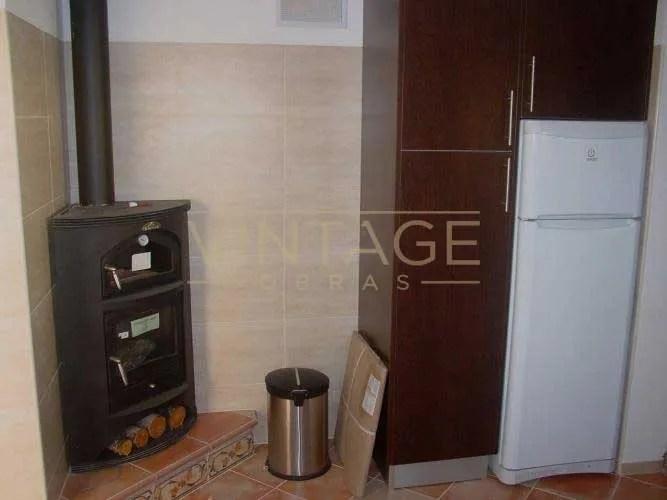Remodelação de cozinha - frigorífico à vista