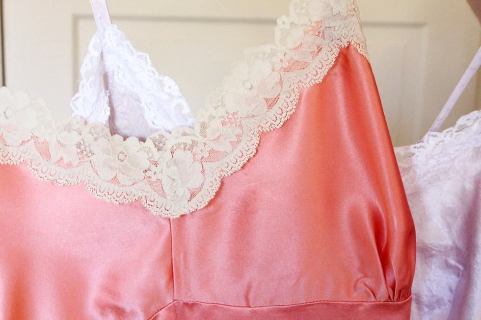 Vintage Slip Lace Detail | @vintageontap