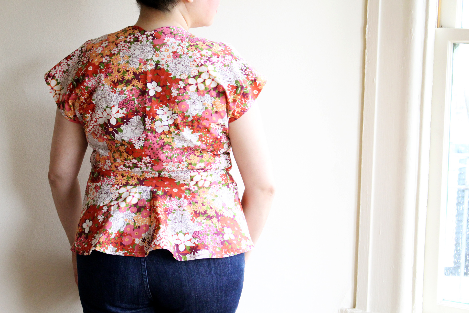 Vintage Simplicity Peplum 1460, back view of completed peplum | @vintageontap