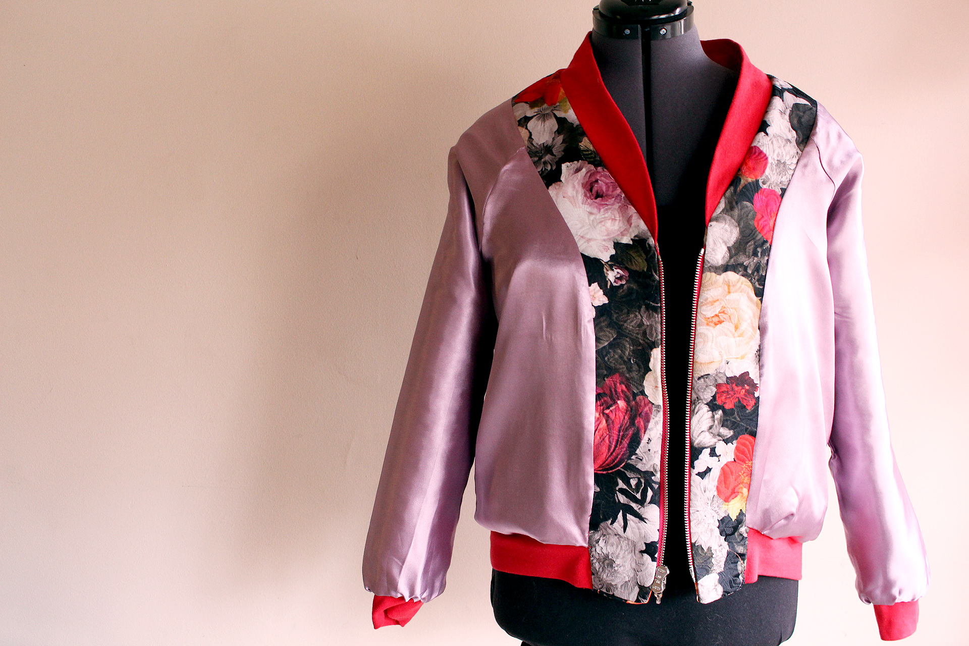 Lining view, Rockabilly Bomber sewn with the Rigel Bomber pattern | @VintageonTap