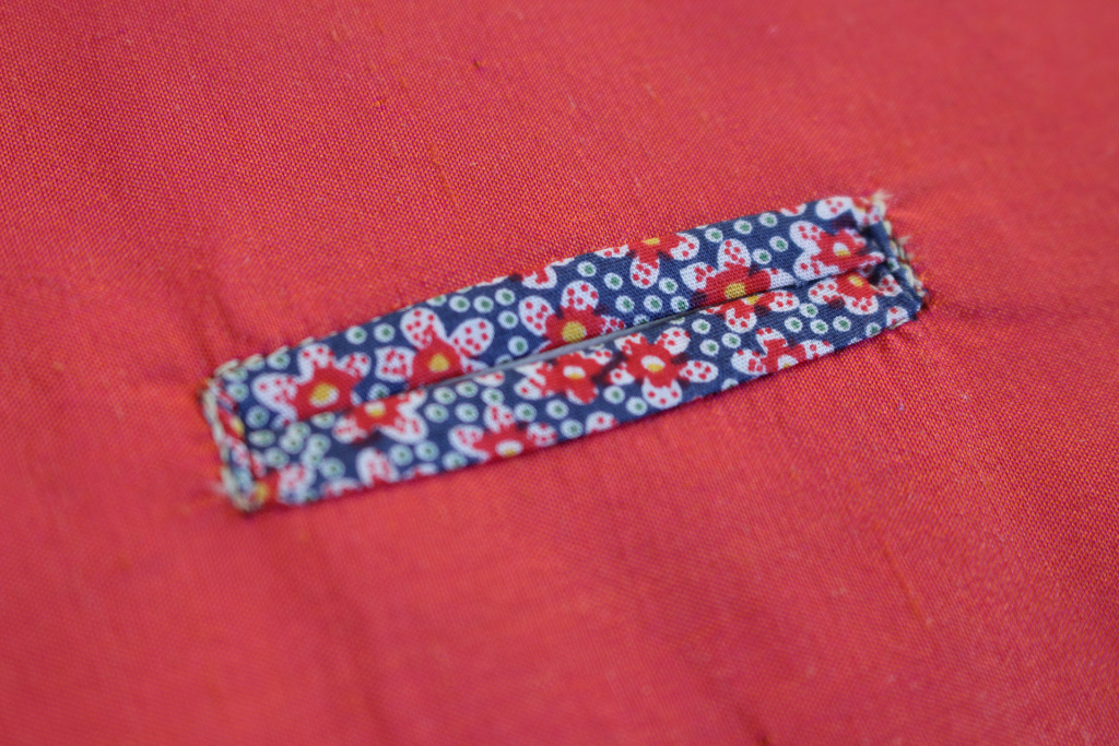 Bound buttonhole close up, showing you what the completed button looks like | Vintage on Tap