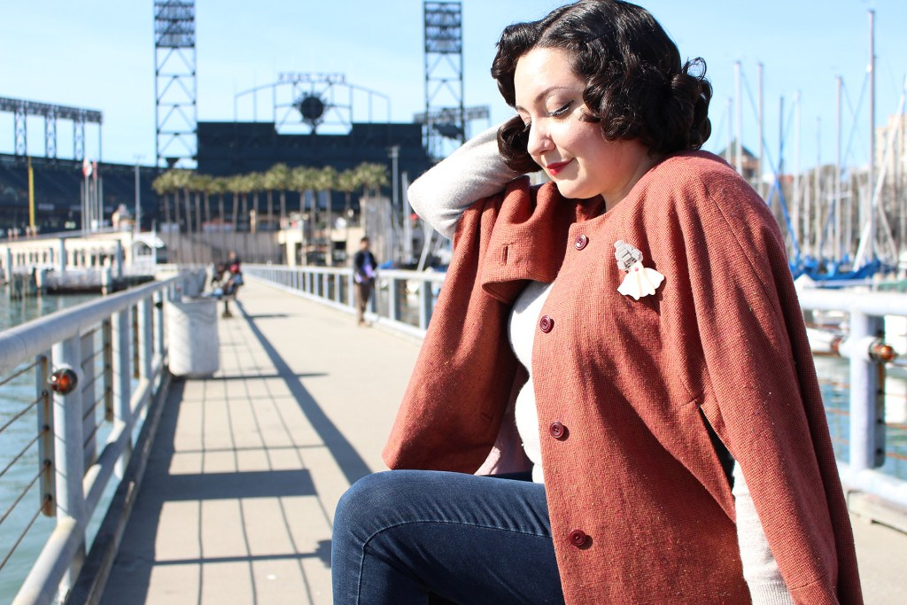 Vintage-inspired sewing, the Seamwork Camden cape with full vintage style | Vintage on Tap